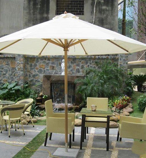 Dù che mưa quán cafe Huyện Hóc Môn