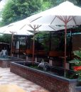Dù cafe hay dù che quán cà phê mang lại rất nhiều ích lợi, từ lợi ích cho các chủ quán cafe cho đến khách hàng uống cafe ngoài ích lợi trực tiếp là che nắng